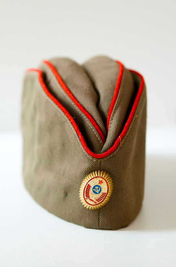 Vintage Soviet military Hat von SovietGallery auf Etsy