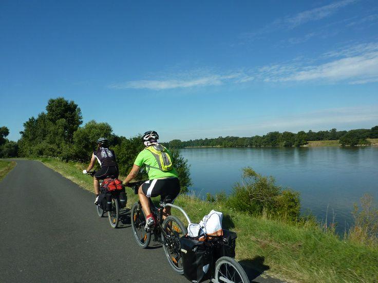 Un Evo 2 por los canales del Loira