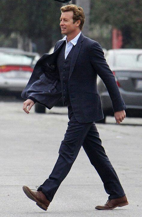 Mentalist star Simon Baker: The charm is no act - CBS News 27