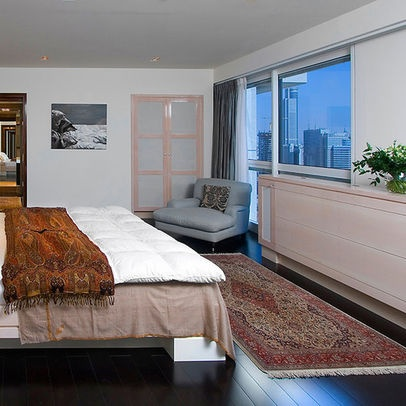 #Bedroom Tip: Try Using Runners At The Sides And/or Foot Of A Bed Instead  Of Hiding Nearly Half Of An Area Rug Under The Bed Frame. (momu0027s Rug Put U2026