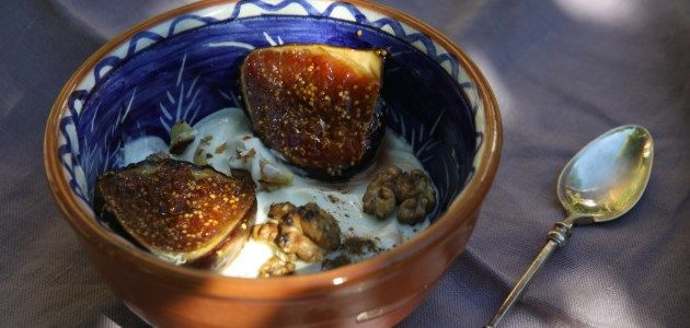 Карамелизированный инжир с греческим йогуртом