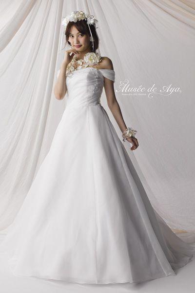 http://www.fantawedding.jp/dress02.html