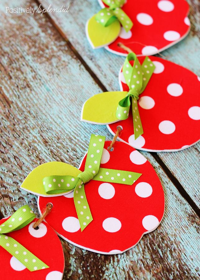 Best 25 apple garland ideas on pinterest brothers for Apple decoration ideas