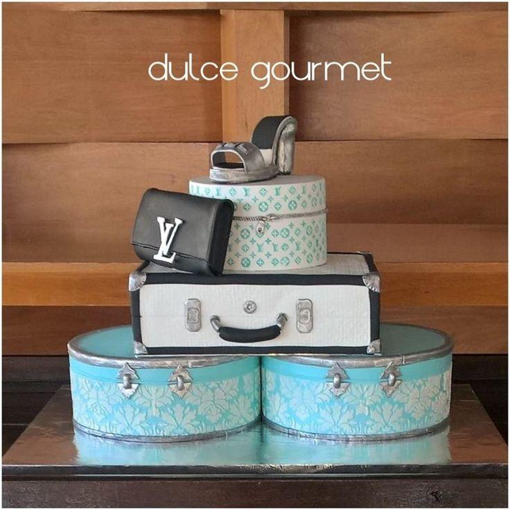 Fashionista Cake! by Silvia Caballero