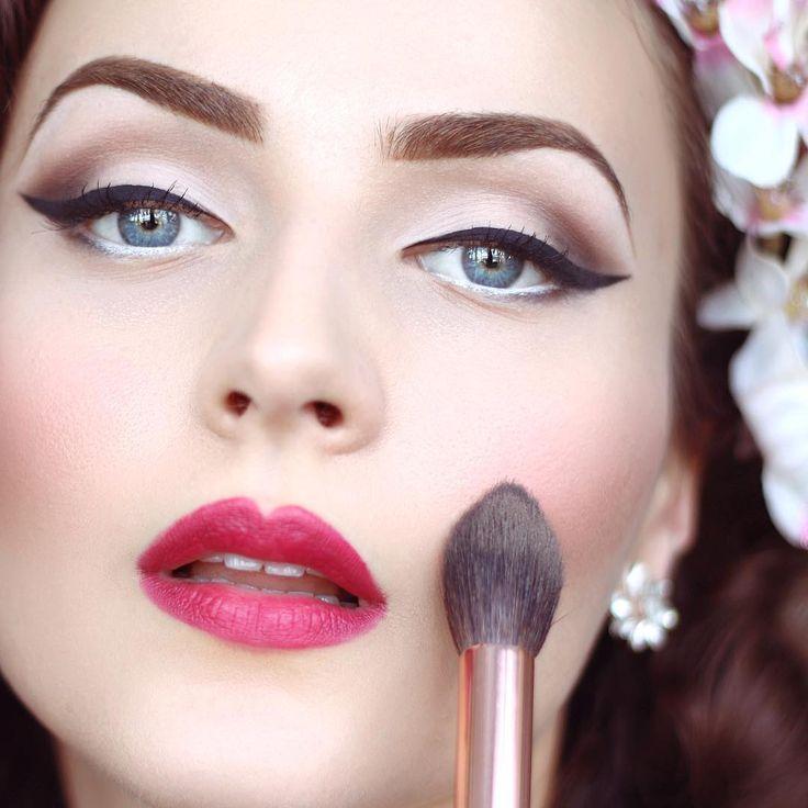 613 best vintage inspired hair u0026 makeup images on pinterest make up makeup and 1960s makeup
