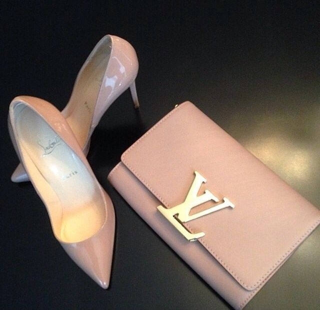 louis vuitton and matching louboutins. #perfectpairings #bagporn #shoeporn
