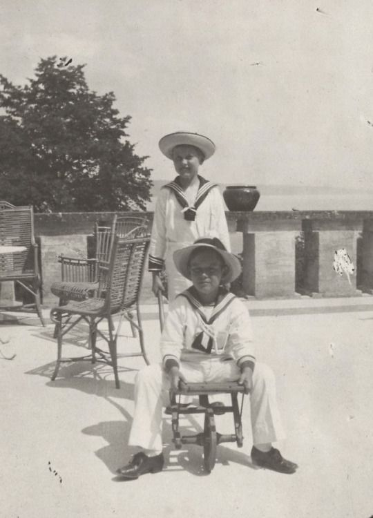 Prince Lennart of Sweden ( sitting) with cousin, Prince Berthold, future Margrave of Baden. 1910s.
