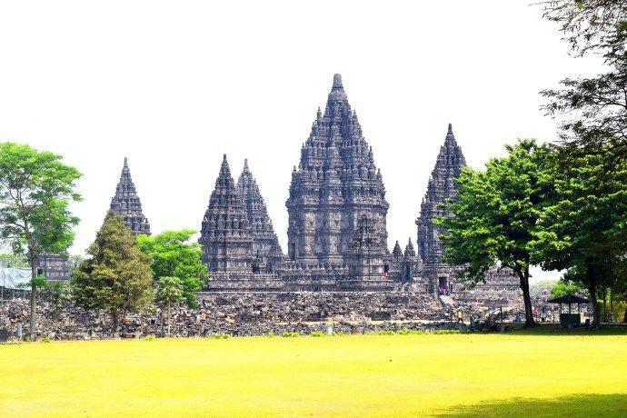 Java: Visiting the temples of Borobudur and Prambanan #gotripit #travelblog #travel #indonesia #Borobudur #Prambanan #Java #Yogyakarta