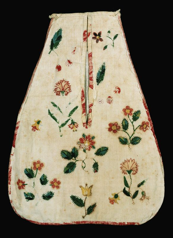 Lady's pocket, crewel wool needlewook on linen, America, ca. 1765-1775. From the collections of the Colonial Williamsburg Foundation.
