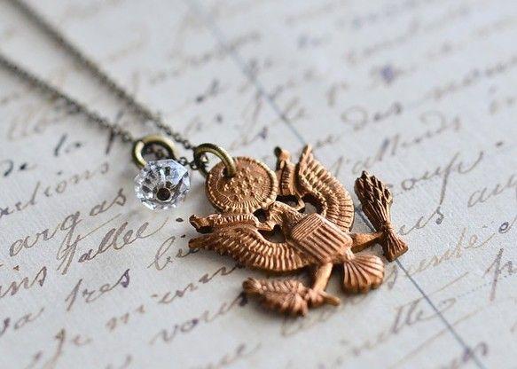 ◆USA ARMY Vintage Metal Necklace◆味のあるヴィンテージメタルUSA ARMYのモチーフを小さなヴィンテージガラスビーズと合わせ...|ハンドメイド、手作り、手仕事品の通販・販売・購入ならCreema。