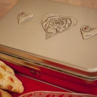 The perfect Mother's Day gift. Large re-usable Eco tin filled with Turkish Delight Biscotti or shortbread....handmade of course ! https://ideasmarket.co.za/listing/3526/re-usable-valentines-day-tin-with-heart-and-rose-pewter-detail