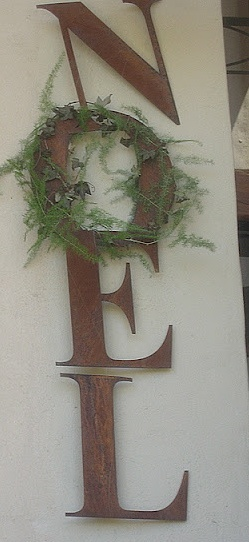 Rustic noel rusty letters with o a wreath i could make for Alphabet christmas wreath
