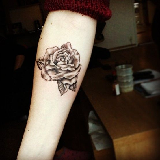 Best 25+ Rose tattoo on forearm ideas on Pinterest | Rose henna ...