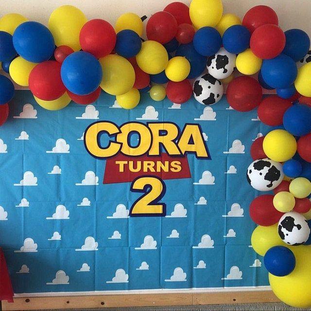 Toy Story DIY balloon garland