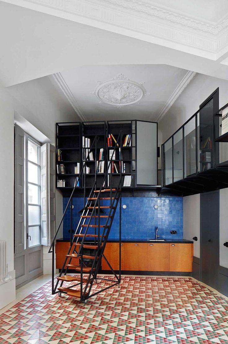 Un intérieur classique aux sols colorés