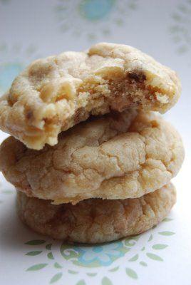 Heath Bar Toffee Cookies...I wonder if these would be as good as DeWayne Gee's?!?