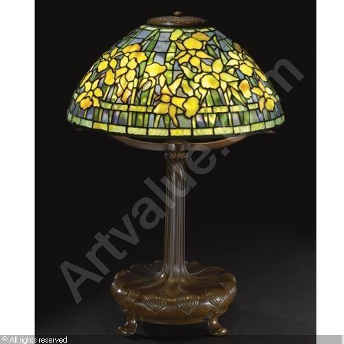 Tiffany lamp.Gorgeous Glasses, Tiffany Lamps, Tiffany Studios, Belle Lamps, Lamps Tiffany, Comforters Tiffany, Daffodils Stained Glasses, Bronze Daffodils, Art Glasses