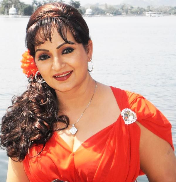Shocking: Upasna Singh LASHES out at the makers of Comedy Nights Live