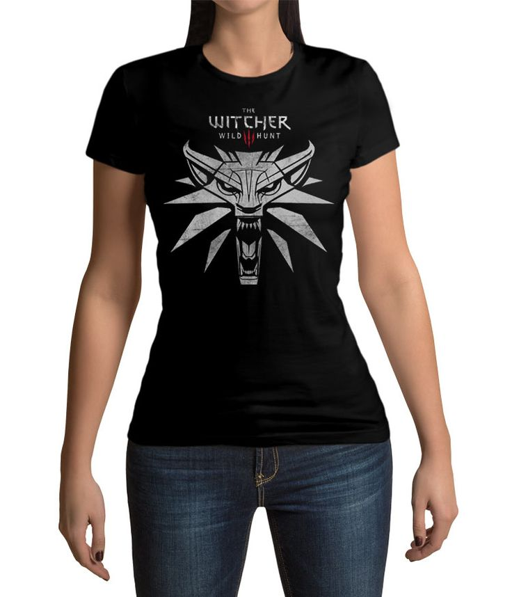 Camiseta chica lobo blanco The Witcher 3: Wild Hunt. Modelo 1 Para los fans de este exitoso videojuego aquí tenéis esta camiseta 100% fabricada en algodón con un diseño relacionado con The Witcher 3: Wild Hunt.