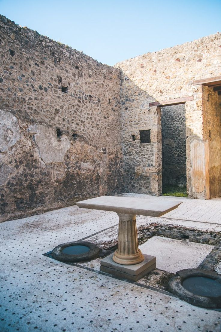 House of the orchard | Pompeii: a travel guide by Thais FK | Due fili d'erba