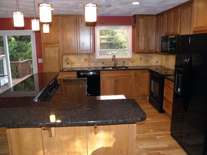Interior Black Quartz Countertop Kitchen With Light Brown Wooden Cabinet Black Kitchen Appliances Small Honey Oak Cabinets Oak Cabinets Maple Kitchen Cabinets
