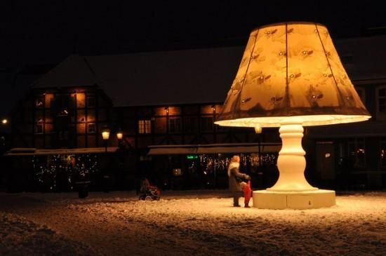 Giant Talking Lamp of Malmo, Sweden. How cool!