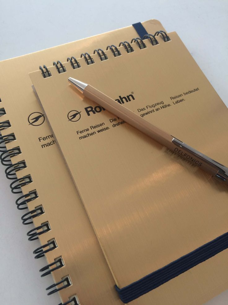 Add a touch of gold with these Rollbahn notebooks and Delphonics pens // QAGOMA