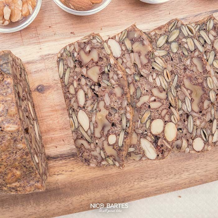 Brot ohne Kohlenhydrate war noch nie so gefragt wie heute. Die gesunde Zutaten-K…