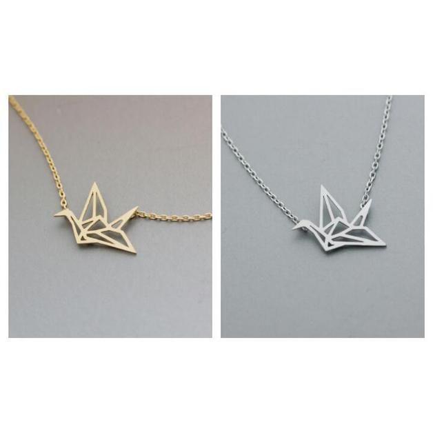 Collana con pendente Origami . La tendenza collana della stagione . Una bella placcato oro 14k collana da indossare tutti i giorni . Idea regalo per le donne .  Origami Ciondolo : 2cm Collana : 45...