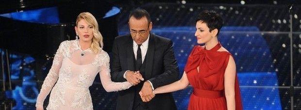 Emma e Arisa sul palco di Sanremo: non si sopportavano http://www.sologossip.com/2015/11/08/emma-e-arisa-sul-palco-di-sanremo-non-si-sopportavano/