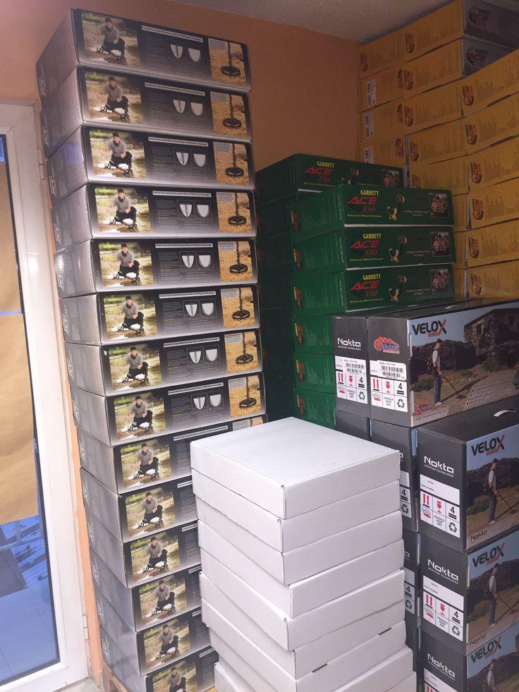 Στο κατάστημα μας, όλοι οι ανιχνευτές μετάλλων είναι άμεσα διαθέσιμοι, μέσα στην αποθήκη μας. Επισκευθείτε μας ή καλέστε μας για περισσότερες πληροφορίες.   In our showroom you will be able to find all the detectors available. There is a spacious warehouse in our facilities full of metal detectors,     long range detectors, Pulse induction. Τηλ: 2381023237, 6941550822 (cosmote)