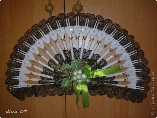 12 best plastic forks and spoons crafts images on for Crafts with plastic spoons and forks