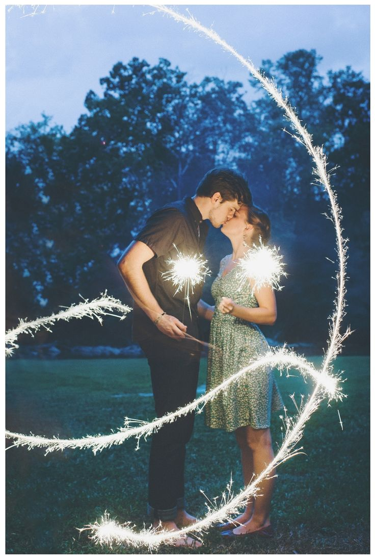 LOVE night time sparklers!! Especially for an engagement shoot! Photo by Jennie Andrews Photography