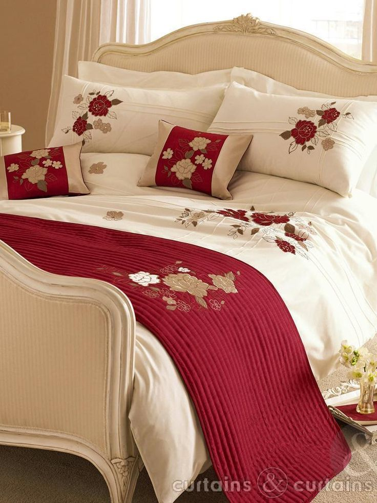 Luxurious Ivory Cream Red And Gold Duvet Cream Bedroom