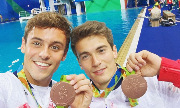 Tom Daley and Dan Goodfellow win bronze in Rio