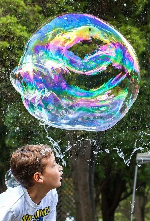 Photo of Grandpop Bubbles' bubble at Sept, 2016 Community Day at Waterworks Park in Trappe, PA. @grandpopbubbles, @gpopb, #grandpopbubles, @brian.maloney.bubbles @festival @fest