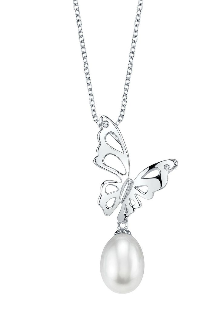 I really like this design nicely thought out with the pearl drop at