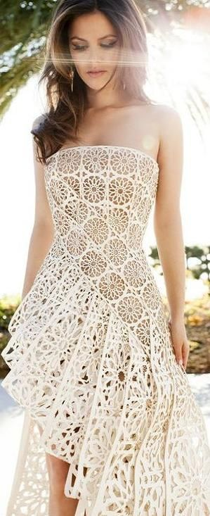 A IDEIA É INTERESSANTE Awesome Lace Floral Embellished Dress. *I would LOVE to wear something like this. So sweet and romantic.*