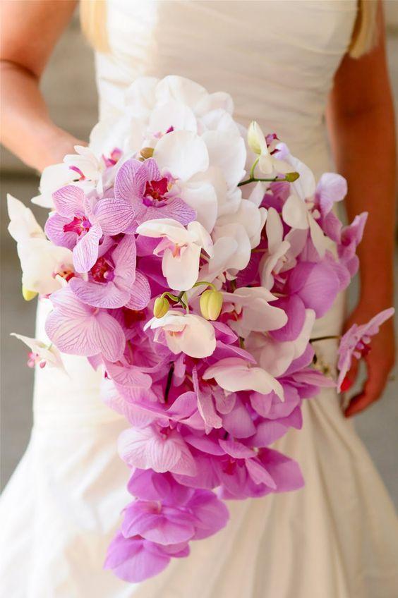 Gemischter Brautstrauß mit Orchideen