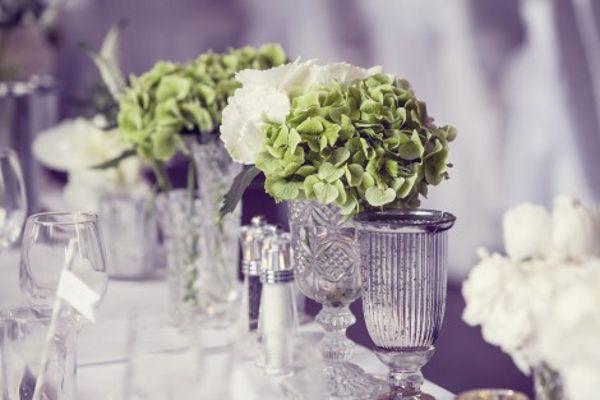 Englische Landhochzeit mit Hortensien, Tischdekoration