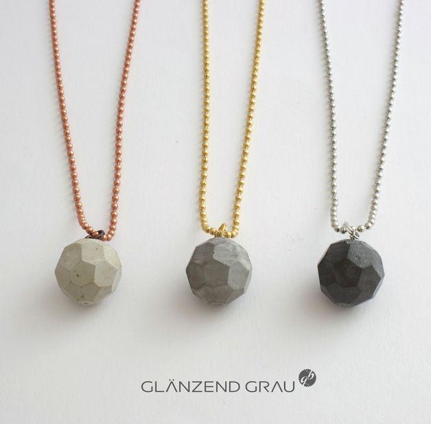 Kette mit Anhänger aus Beton // necklace with concrete pendant by Glaenzend-Grau via DaWanda.com (Diy Necklace Pendant)