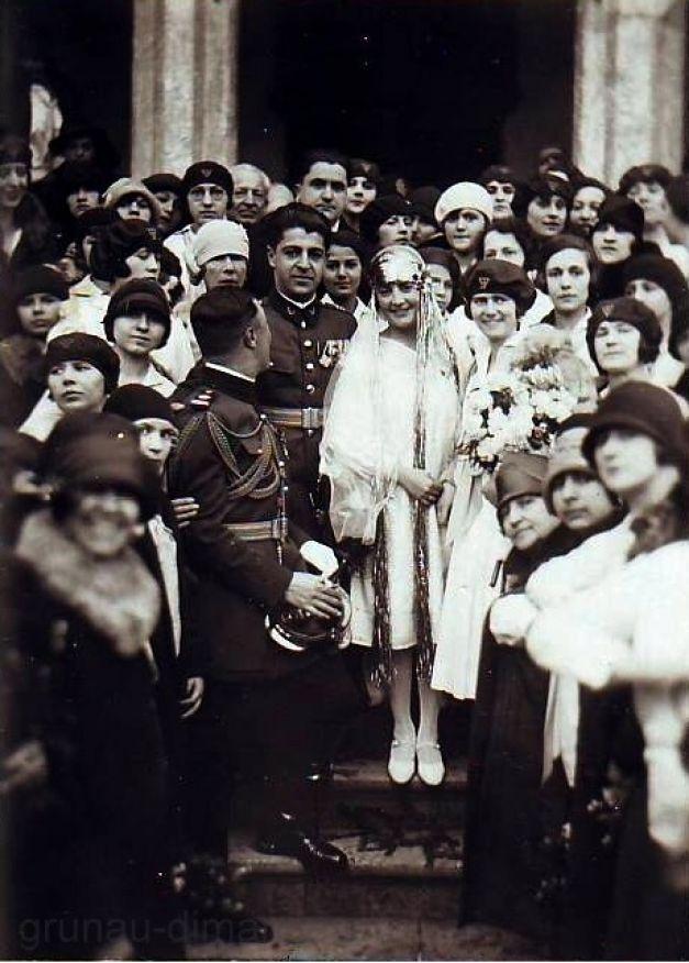 Ioan Dimăncescu și Alice Grunau la nuntă, cu nașa Domnița Ileana