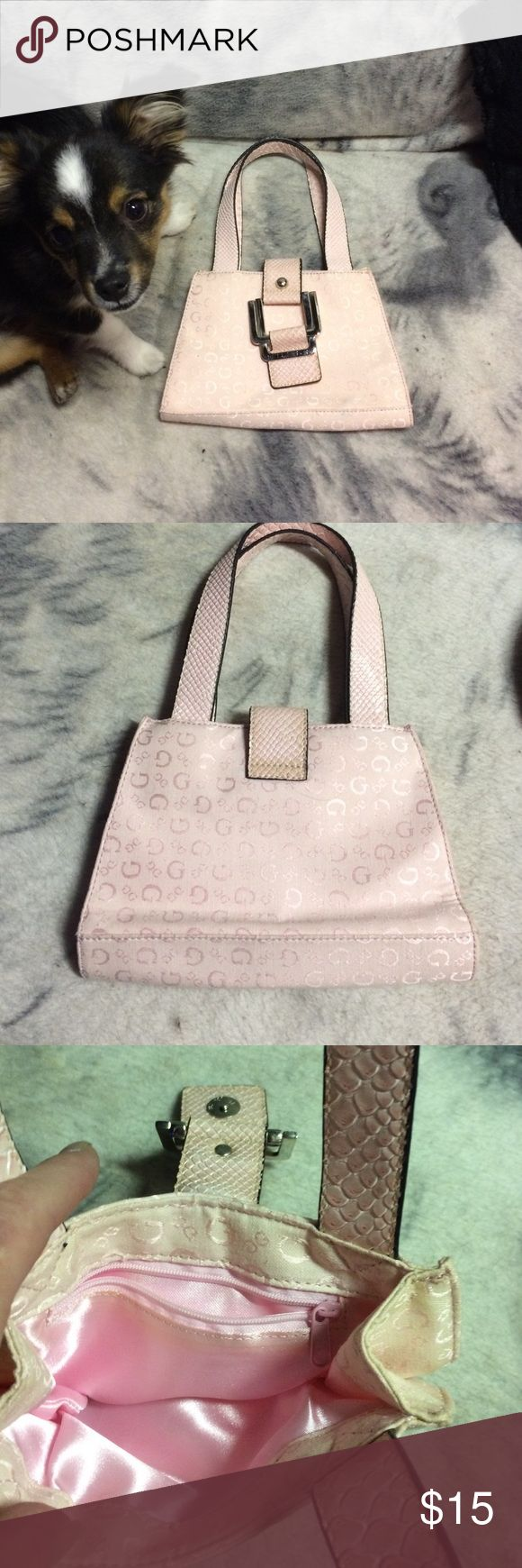 """Guess pink handbag ❤️❤️❤️❤️❤️ GUESS light pink small signature handbag, excellent condition inside and out ,only small light blue mark, see in pic.  """"max"""", toy Australian shepherd NOT included, lol Guess Bags Mini Bags"""