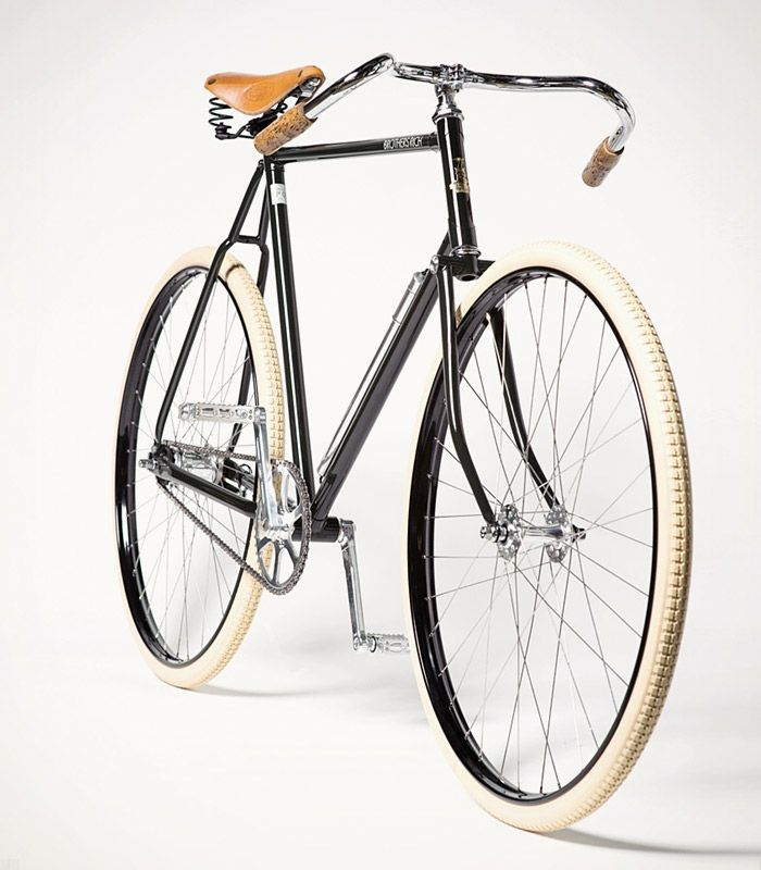 The Charleston – A Gent's Road Racer by Brothers Rich │This gentile machine is based on the British path racers (now called track bikes) of old and designed in the Dirty South by three brothers–last name of Rich–who live in Atlanta and Baltimore.