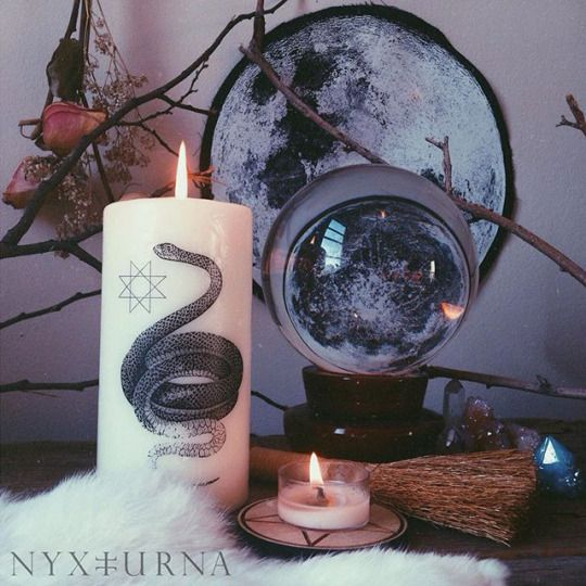 :: Within the W i l l o w Hutch :: Witchy interiors..
