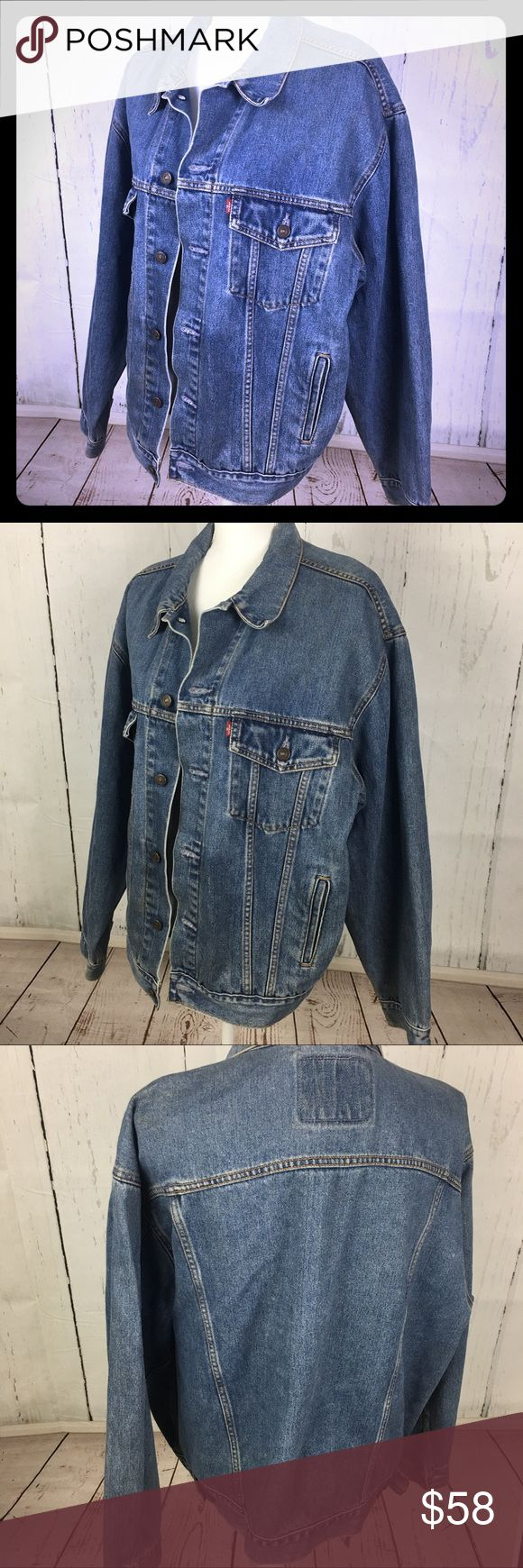 Vintage Classic Levi's Jacket Standard Trucker Size Large Jean Jacket Standard Trucker 70507  ❤️💜💗 100% Cotton. Men's Jacket but sexy as an oversized jacket for us ladies ☘️☘️☘️ Levi's Jackets & Coats Jean Jackets