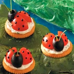 Ladybug Appetizer Recipe: Cherry Tomatoes, Olives and Cream Cheese Spread on Crackers