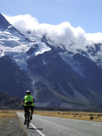 Cycle touring in New Zealand. It's a wonderful way to combine #cycing with retirement. Here's how you do it.