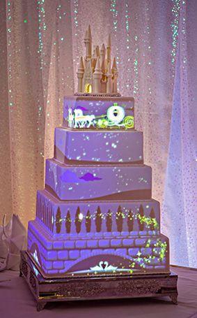 プロジェクションマッピングがすごい、Disney ウェディングケーキ