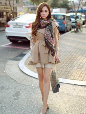 女性らしくフェミニンに *レディース秋冬ファッション『ショートトレンチコート』